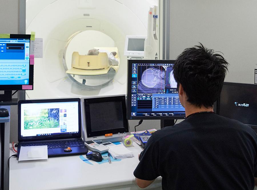院内で行った画像検査は、ネット回線を通じて全国各地の放射線診断専門医らによって読影